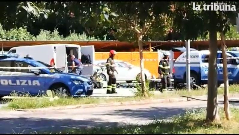 ORDIGNI CONTRO LA LEGA - Una prima bomba esplode fuori dalla sede del Carroccio a Treviso, una seconda viene fatta brillare....