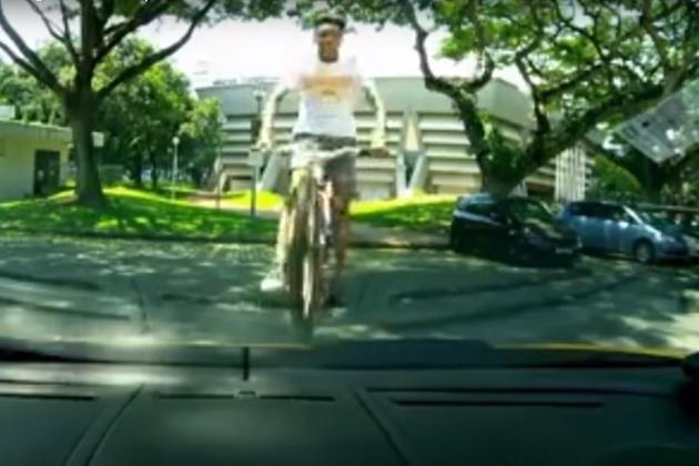 【ビデオ】ランボルギーニをジャンプ台にされたオーナー、15歳の自転車少年を許す