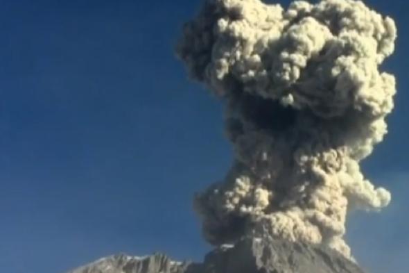 volcano-ubinas-erupts-peru-4000-metre-ash-cloud