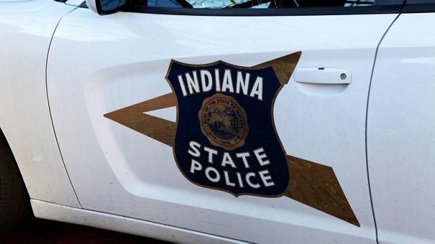 追い越し車線をゆっくり走るドライバーに注意を促す警官のツイートが大反響に!