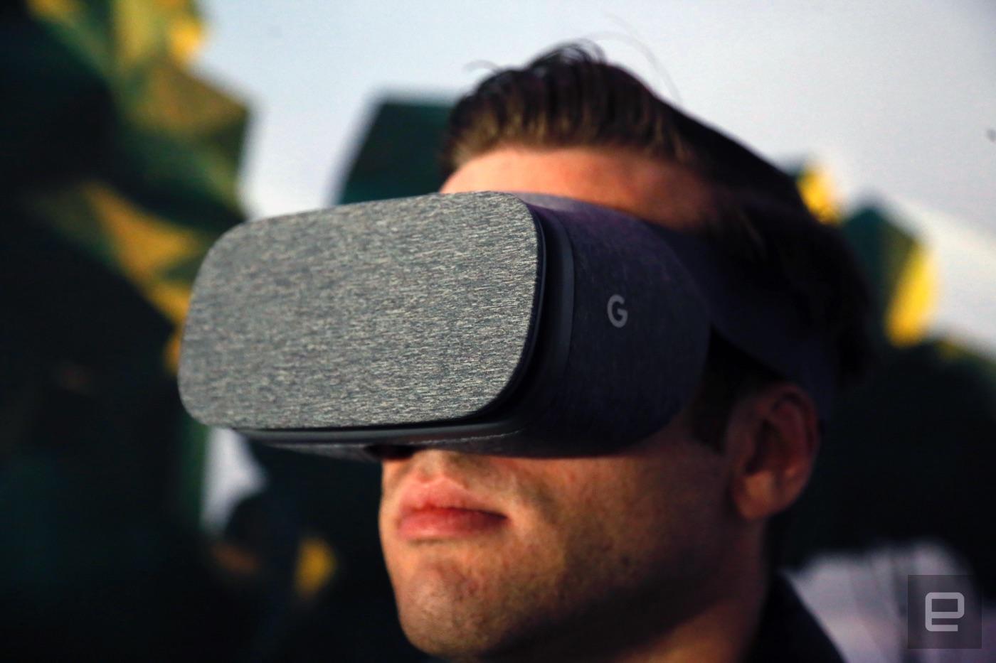 Google 的 Daydream View 是一般大众向的 VR 头戴设备