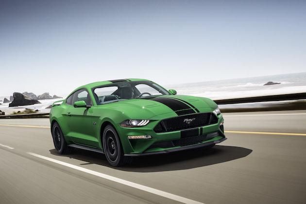 フォード、聖パトリックデーに鮮やかなグリーンの「マスタング」を発表!