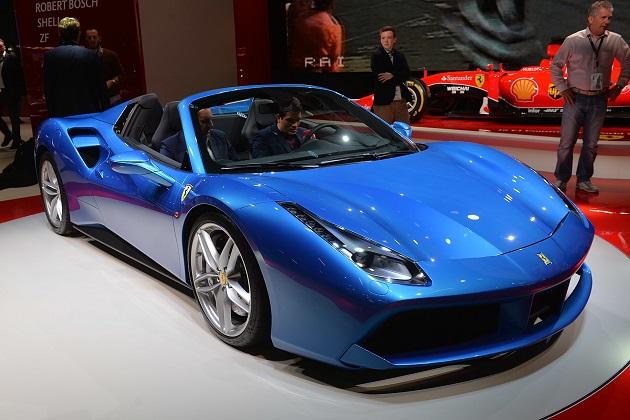 【フランクフルトモーターショー2015】フェラーリ、ターボチャージャー付きトップレス「488 スパイダー」を初公開