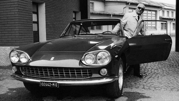 エンツォ・フェラーリの生誕120周年を記念して、故郷のモデナで写真展が開催