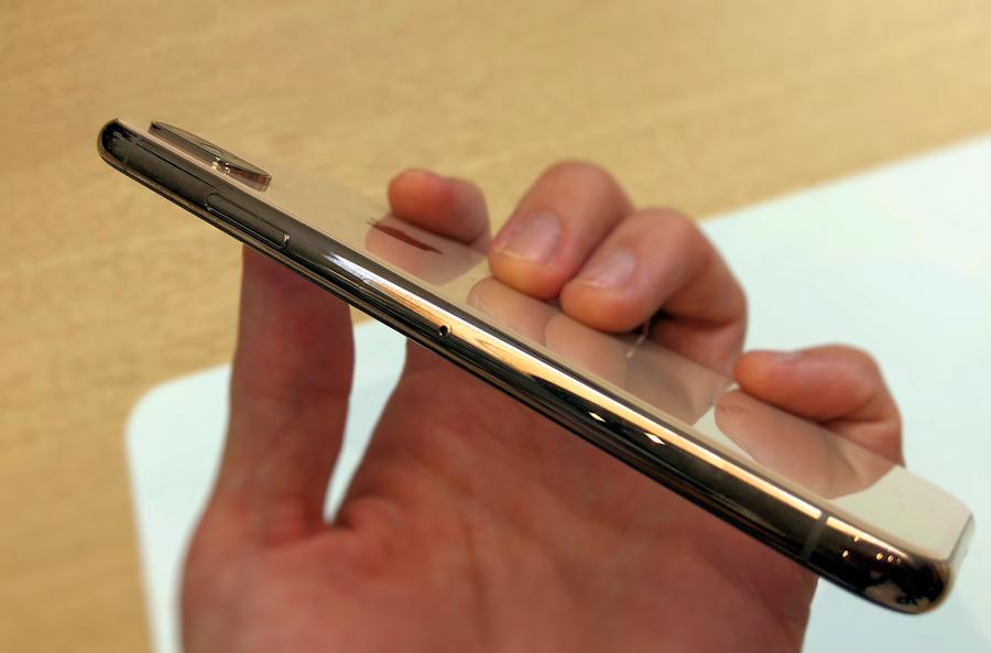 いずれiPhoneからSIMスロットがなくなる? AppleがDSDS対応に踏み切った理由:週間モバイル通信 石野純也