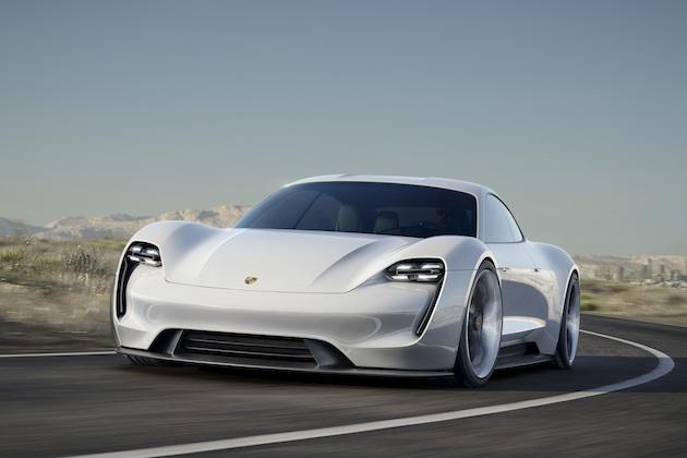 ポルシェ、初の完全電気自動車「ミッションE」に数種のバリエーションを計画