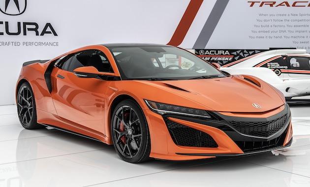 アキュラ、米国仕様「NSX」の改良モデルをペブルビーチで発表! 鮮やかなボディ・カラーも追加に