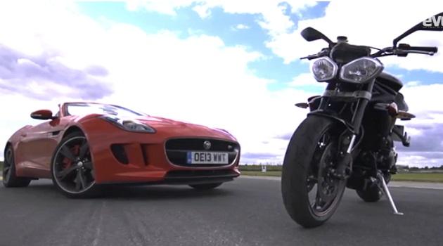 【ビデオ】4輪(ジャガー)と2輪(トライアンフ)がサーキットで対決