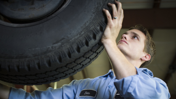 1.5 million motorists driving on dodgy tyres