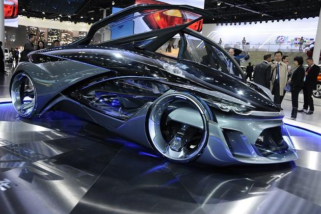 【上海モーターショー2015】シボレー、未来の自動車をイメージしたコンセプトカー「FNR」を発表!
