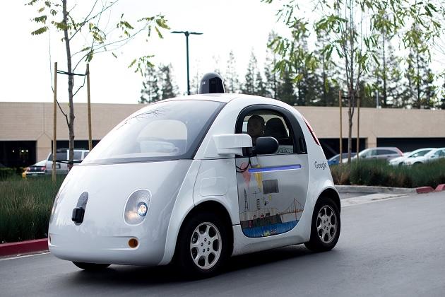 Googleが自動運転車用のワイヤレス充電システムを計画中