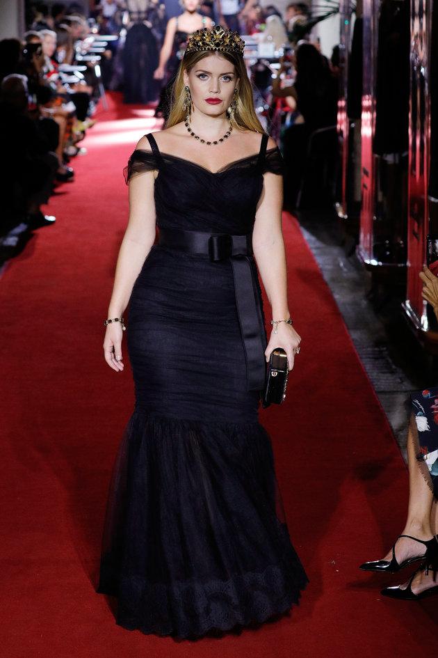 Kitty Spencer défile pour le spectacle secret de Dolce & Gabbana pendant la semaine de la mode de...