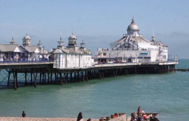 Eastbourne Pier owner blasted for painting parts of it gold