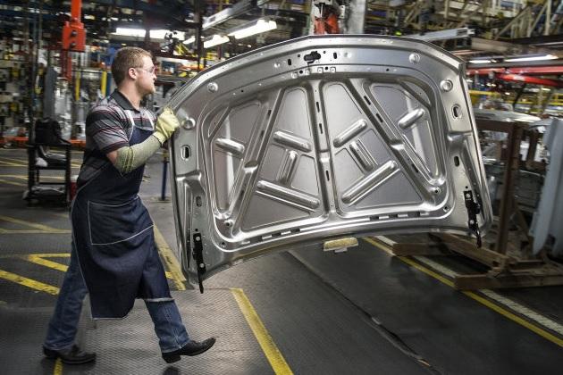 GMが米国へ10億ドルの投資を発表 トラックのアクスル製造もメキシコから国内に移転へ
