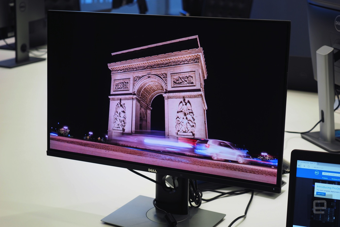 dell 39 s 4k oled monitor outshines its new pcs. Black Bedroom Furniture Sets. Home Design Ideas