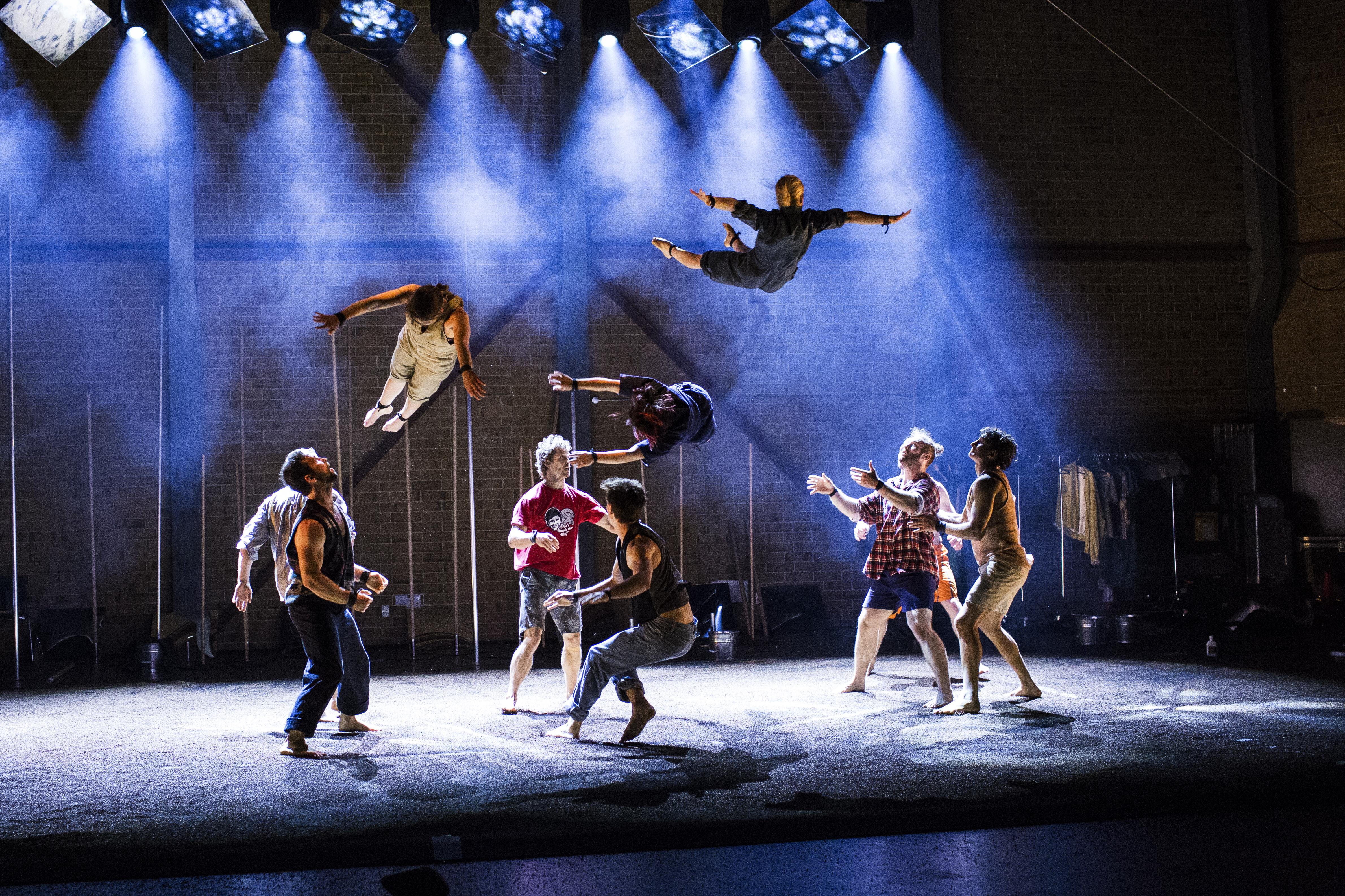 Festival Montréal Complètement Cirque: un époustouflant «Backbone» à la
