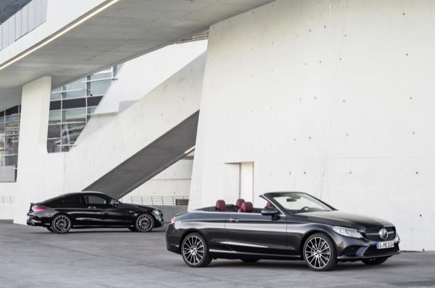 Das neue Mercedes-Benz Coupé und Cabriolet;Kraftstoffverbrauch kombiniert: 9,8-4,9 l/100 km; CO2-Emissionen kombiniert: 223-130 g/km*  The new Mercedes-Benz Coupé and Cabriolet;fuel consumption combined: 9.8-4.9 l/100 km; combined CO2 emissions: 223-130 g/km*