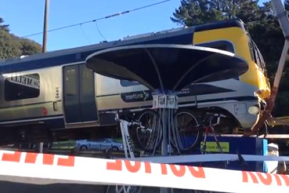 Kiwirail train crashes through barrier at Melling Station in Wellington