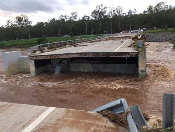 This is part of the John Muntz Causeway on the Tamborine-Oxenford Rd on the Gold