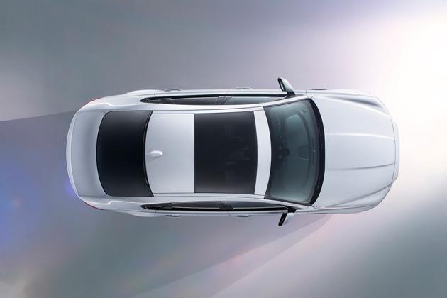 ジャガー、NY国際自動車ショーに先駈けて新型「XF」サルーンをプレビュー
