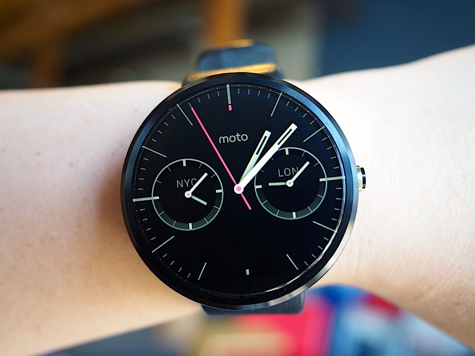 Moto 360 Review It S The Best Android Wear Watch But That Isn T