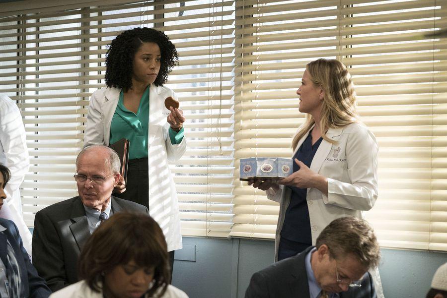 Grey\'s Anatomy\' Photos: Arizona\'s \'Special\' Cookies Bring on ...