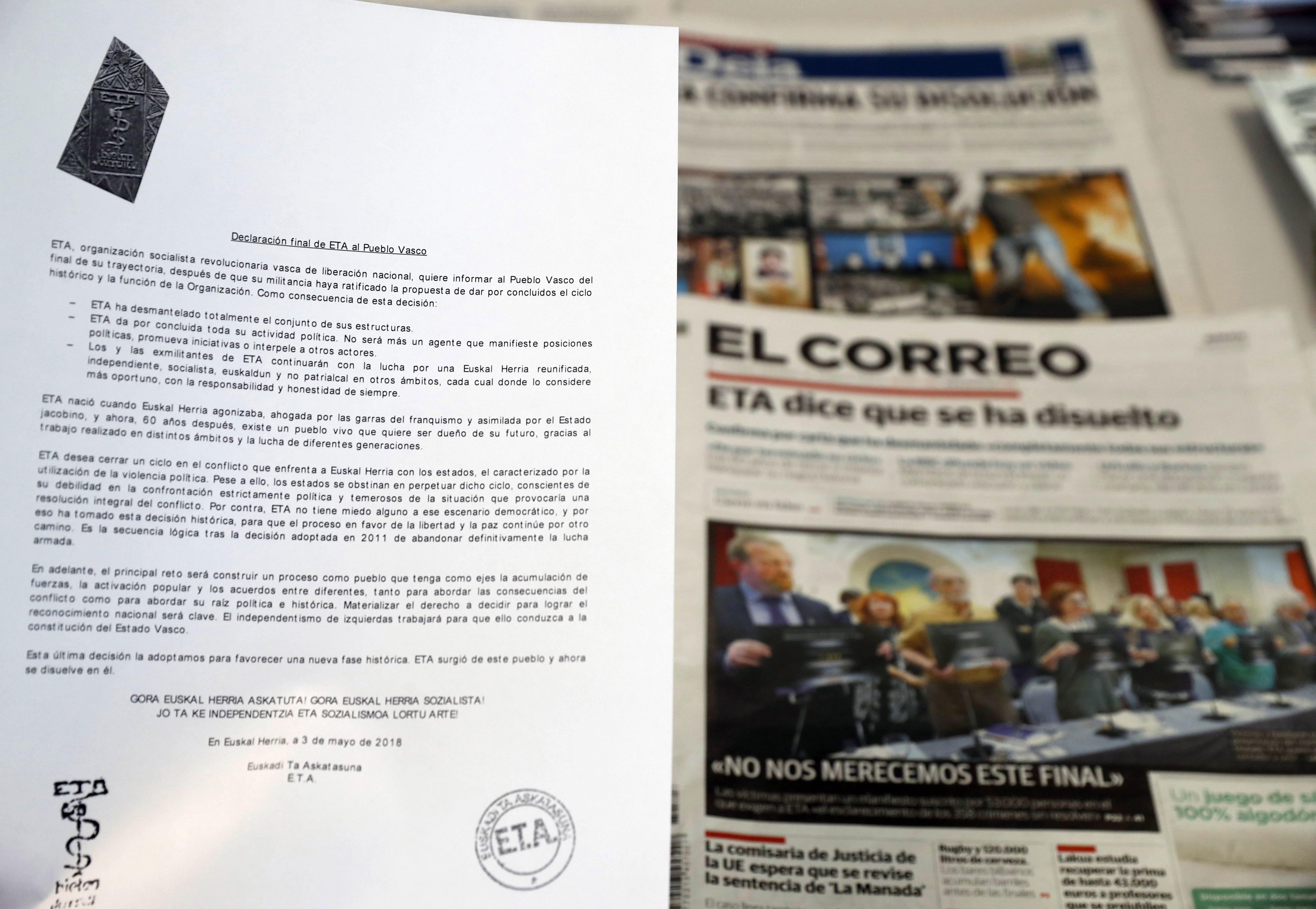 """Comunicado con el que la organización terrorista ETA ha anunciado este 3 de mayo el """"final de su..."""