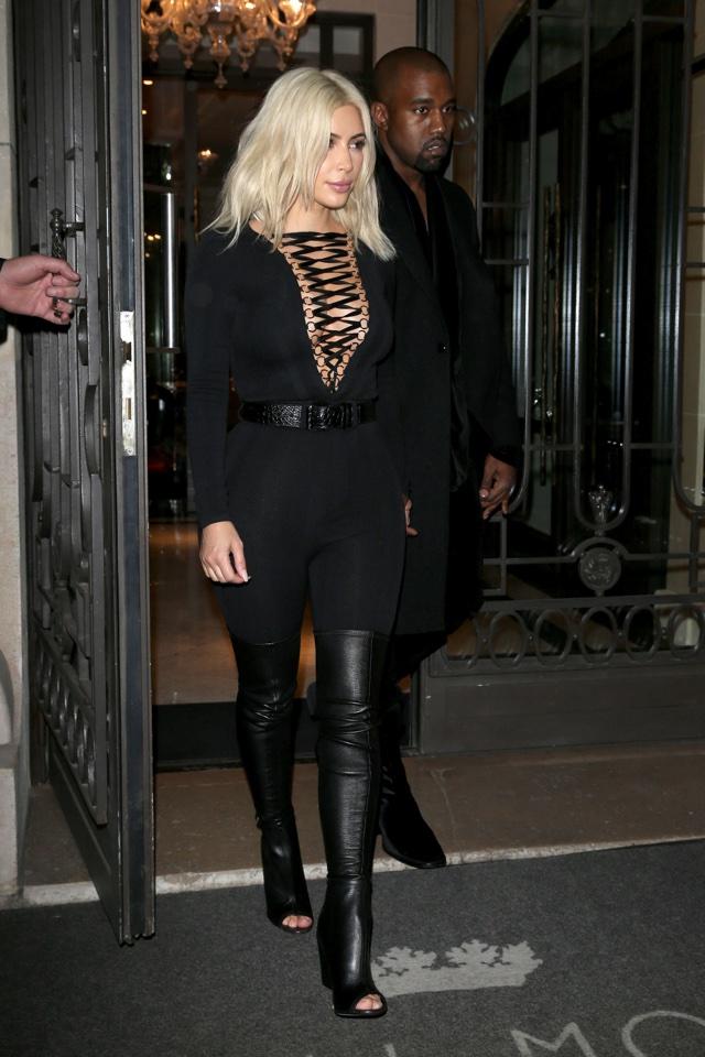 Kim Kardashian has a contouring makeup fail at PFW (eek)