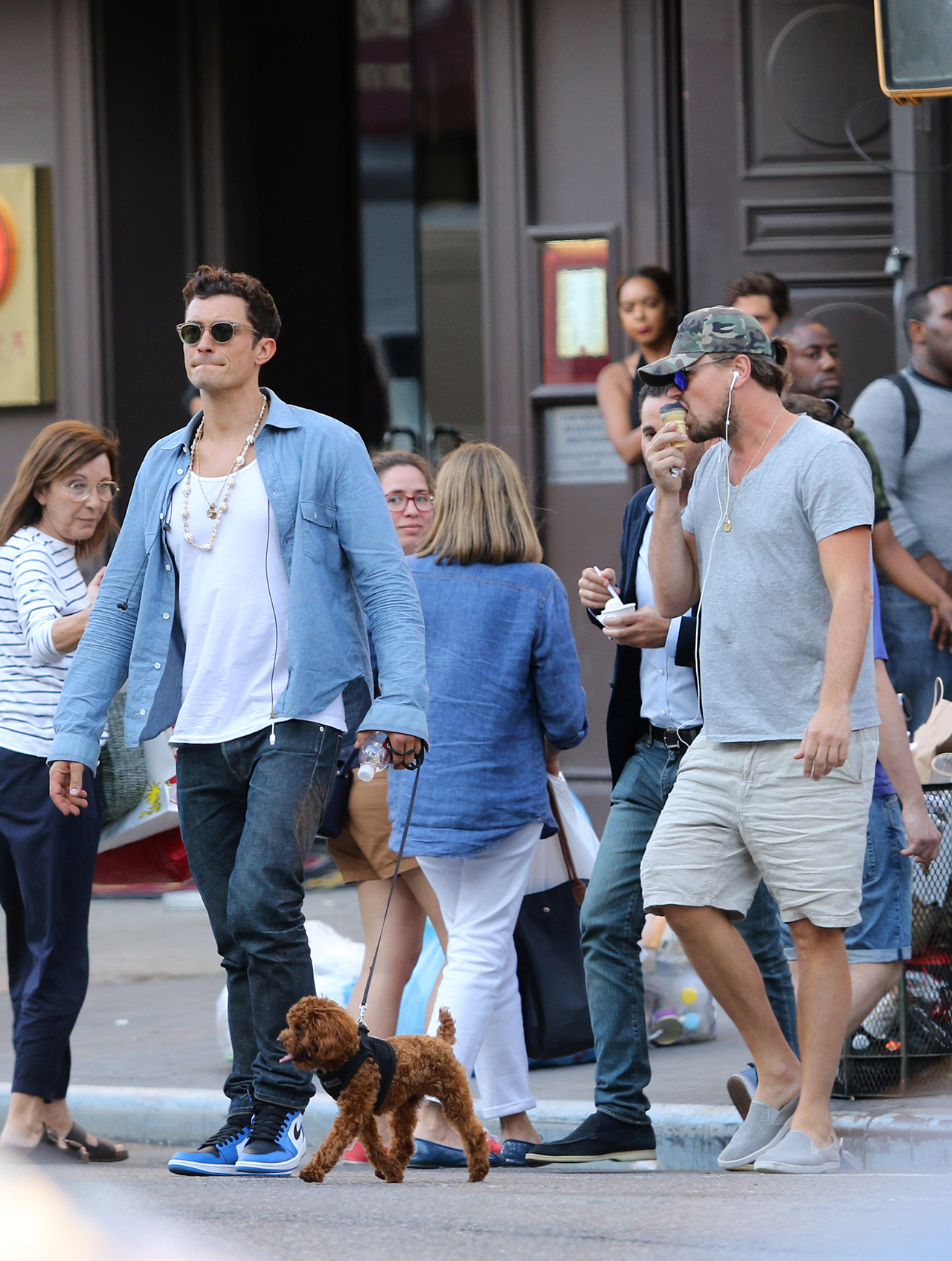 Leonardo DiCaprio, Tobey Maguire and Orlando Bloom meet up and hang out as they went for a long walk with friends after having a late afternoon lunch and stopping for ice cream in Manhattan's East Village Neighborhood. 14 Jun 2017 Pictured: Leonardo DiCaprio and Orlando Bloom. Photo credit: LRNYC / MEGA TheMegaAgency.com +1 888 505 6342 (Mega Agency TagID: MEGA42466_016.jpg) [Photo via Mega Agency]
