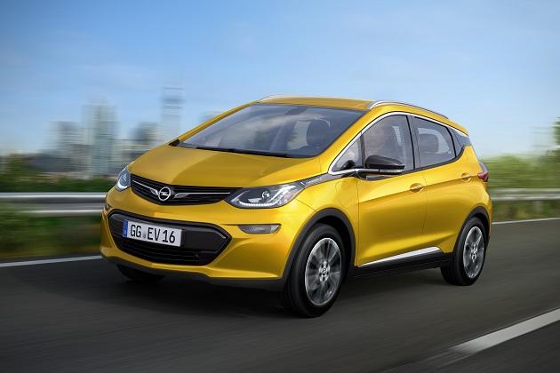 GM、新型EVシボレー「Bolt(ボルト)」をオペル「アンペラe」として欧州に導入