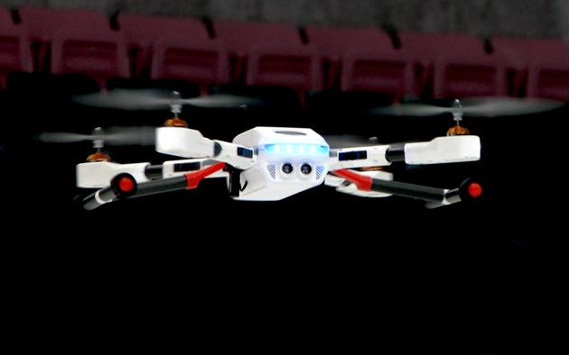 PlexiDrone 是一款易於攜帶的四旋翼無人機