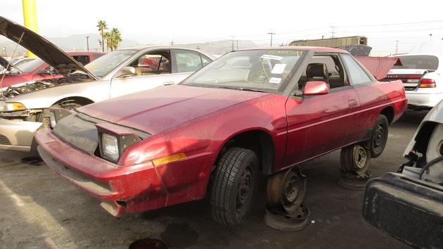1990年型スバル「XT(アルシオーネ)」を、ロサンゼルスの廃車置場で発見