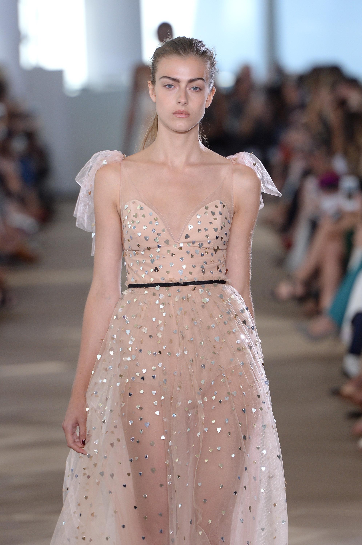 Monique Lhuillier - Runway RTW - Spring 2017 - New York Fashion Week