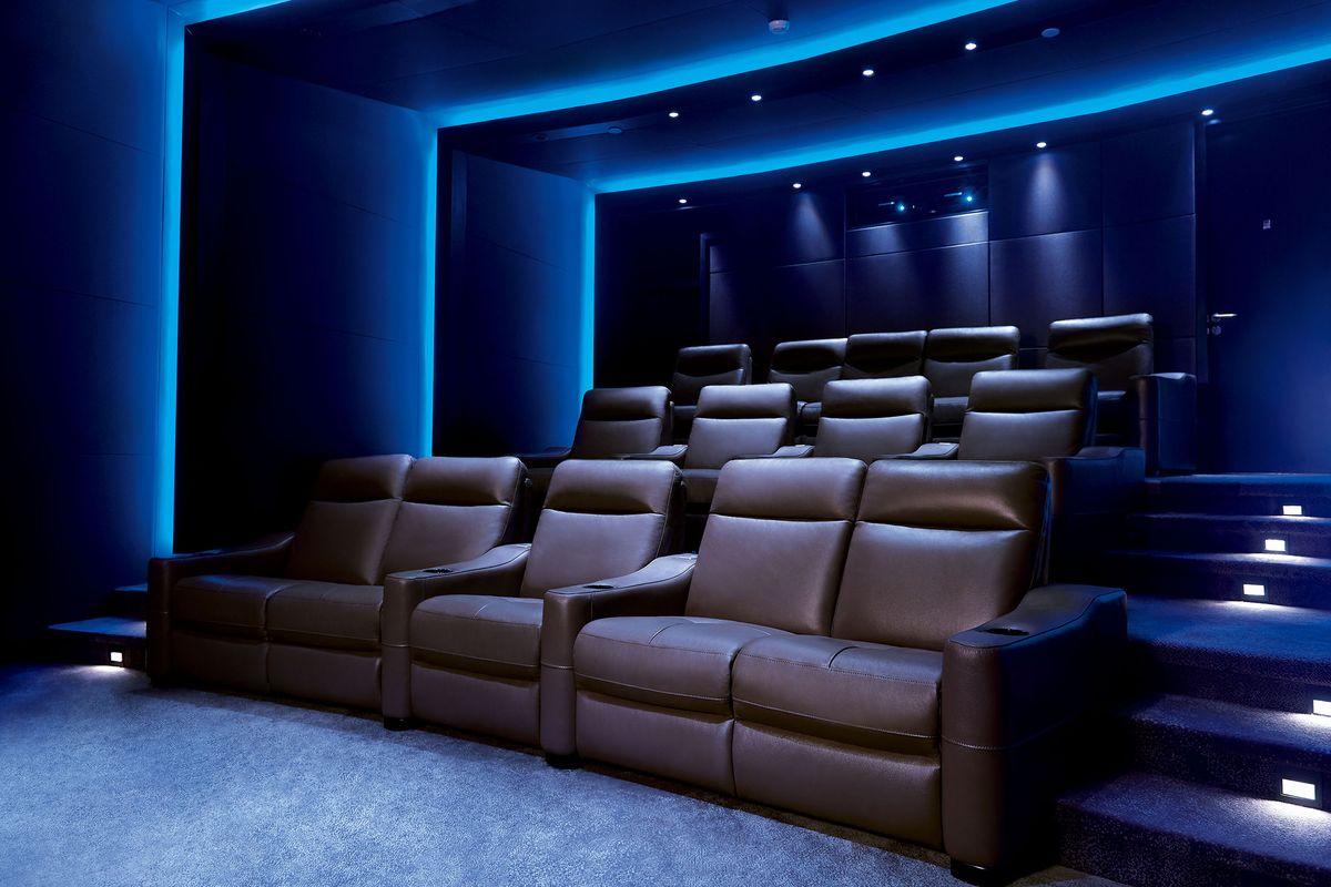 4000万円からのIMAXプライベートシアター、富裕層向けに好評販売中。プレーヤーは追加100万円