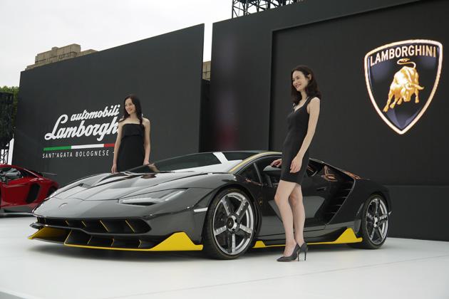 ランボルギーニ、東京で「チェンテナリオ」を公開! 三菱レイヨンとの提携も発表