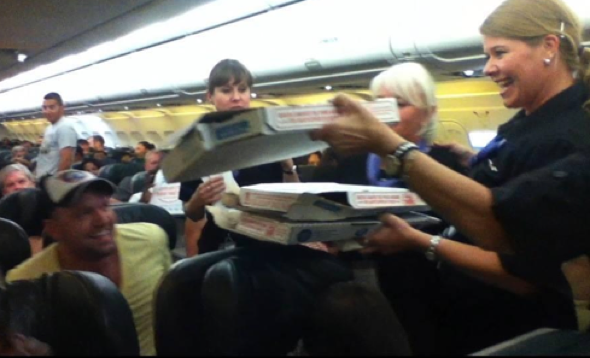Pilot buys pizza for entire plane after delay