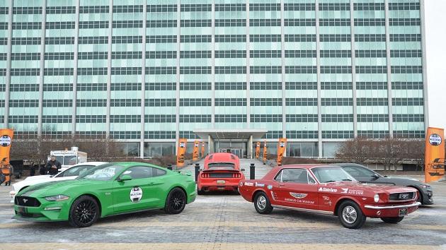 季節外れの寒さにも怯まず、フォード「マスタング」の誕生日を祝うミーティングにファンが集結!
