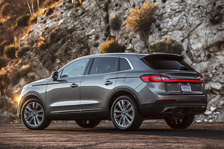 luxury the lincoln new roominess reserve reviews car mkx and style review