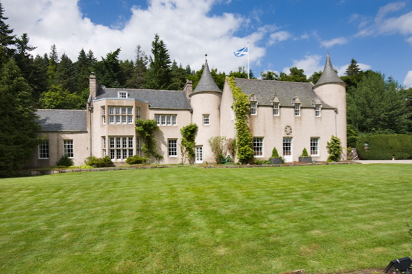 Billy Connelly sells tartan-clad Candagraig house in Scotland for £3m