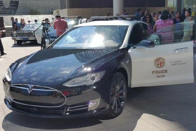 ロサンゼルス市、公用車にテスラ「モデルS」とBMW「i3」を導入