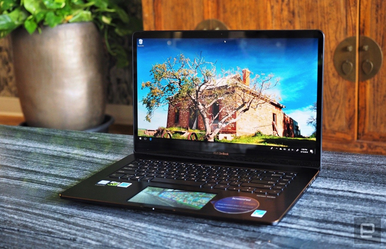 ZenBook Pro 15 review (2018): The touchscreen touchpad is no
