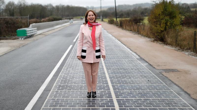 世界初の太陽光発電道路「Wattway」がフランスで開通(ビデオ付き)