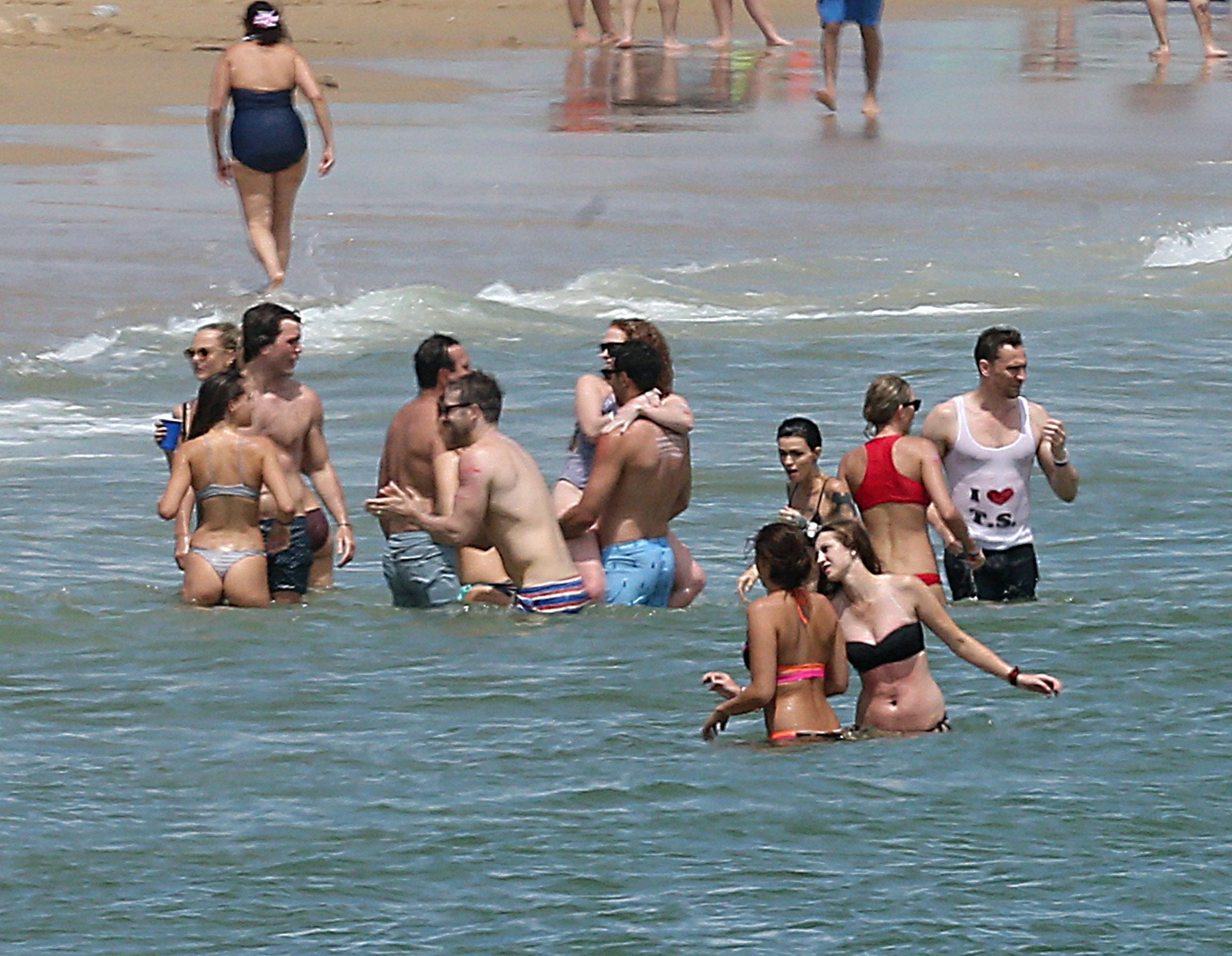 EXCLUSIVE: Taylor Swift celebrates the 4th of July with boyfriend Tom Hiddleston, Cara Delevinge, Karlie Kloss, Ruby Rose, Blake Lively, Ryan Reynolds, and Gigi Hadid at Taylor's house in Rhode Island <P> Pictured: taylor swift, tom hiddleston, blake lively, ryan reynolds, ruby rose, gigi hadid, cara delevingne,  <B>Ref: SPL1312971  030716   EXCLUSIVE</B><BR/> Picture by: Ryan Turgeon / Splash News<BR/> </P><P> <B>Splash News and Pictures</B><BR/> Los Angeles:310-821-2666<BR/> New York:212-619-2666<BR/> London:870-934-2666<BR/> photodesk@splashnews.com<BR/> </P>