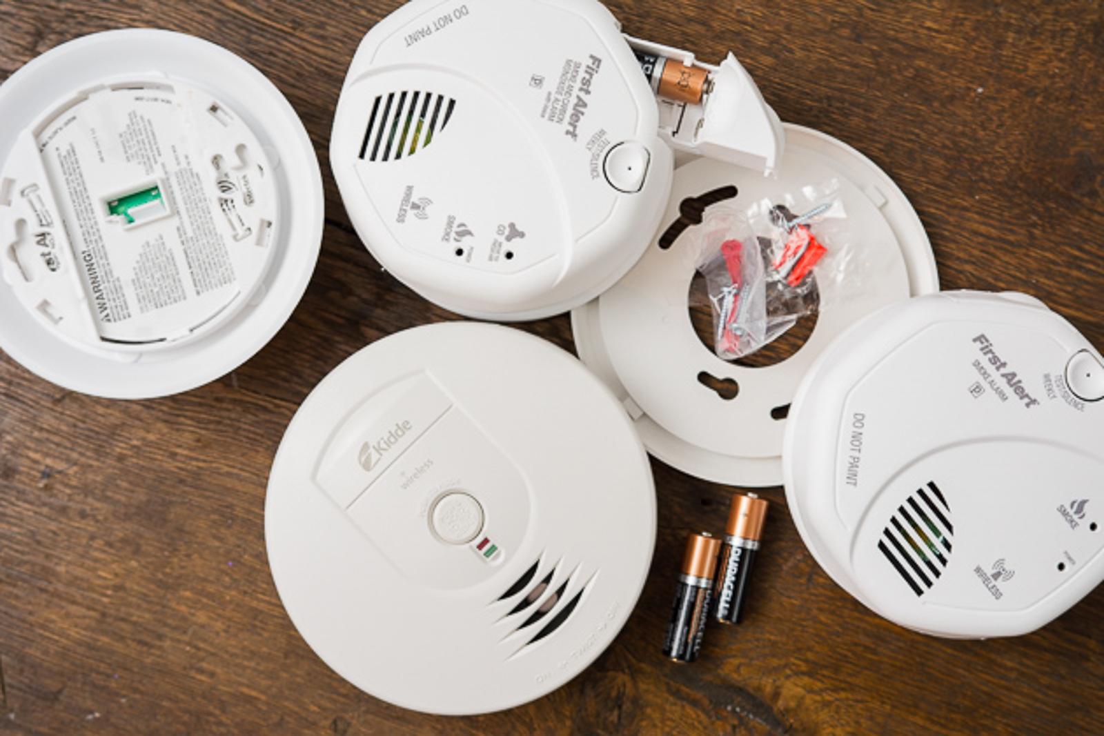 - 02 basic smoke detectors 1600 - The best basic smoke alarm
