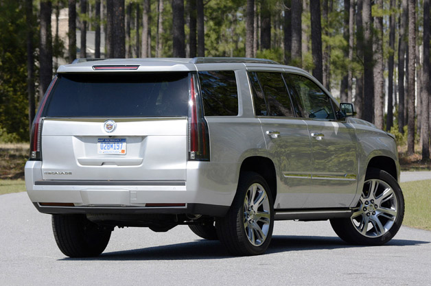 2015 cadillac escalade first drive autoblog. Black Bedroom Furniture Sets. Home Design Ideas