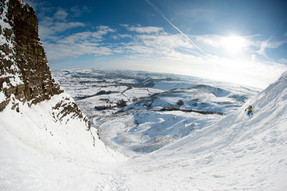 Mandatory Credit: Photo by Alex Messenger/Solent News/REX (4418730e) Skier on Mam Tor Skiers on a snow covered Mam Tor in the Peak District, Derbyshire, Britain - 04 Feb 2015 *Full story: http://www.rexfeatures.com/nanolink/pwnm  These experienced skiers look like they are carving down a mountain in the French Alps - when in fact they are just 20 miles from Sheffield. The adventurous trio travelled to Mam Tor, a 1,695ft hill in the heart of the Peak District, after the country was covered in snow yesterday. When they arrived they were delighted to find the steep hill completely white and coated in fresh powdered snow. The rare moment, which happens 'once every 20 years' because of the wind direction, was caught on camera in the -5 degree Celsius conditions. Photographer Alex Messenger, from Manchester, captured the unique moment when he travelled to the picturesque spot with two ski-ing friends. He described the hill as being like a 'little corner of the Alps', when in reality they were just 30 miles from their home in Manchester.
