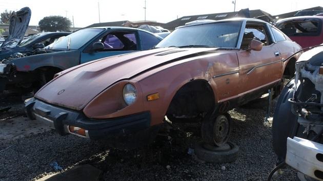 「マスタング」や「カマロ」と真っ向勝負ができた、1981年型ダットサン「280ZX」(フェアレディZ)を廃車置場で発見
