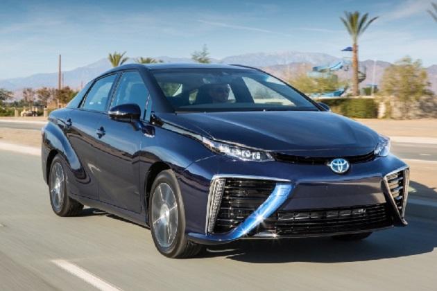 トヨタが「MIRAI(ミライ)」の水素燃料電池を「レクサス」にも搭載?