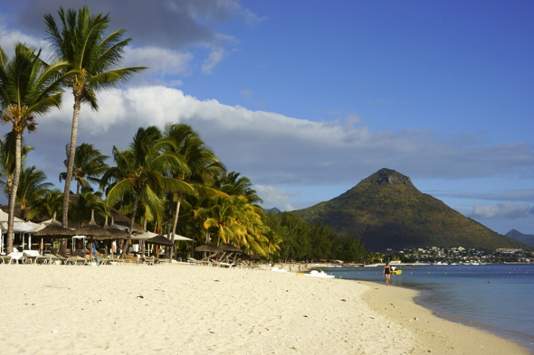 British teen dies swimming with dolphins in Mauritius
