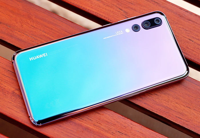 Two-tone smartphones are the new rose gold